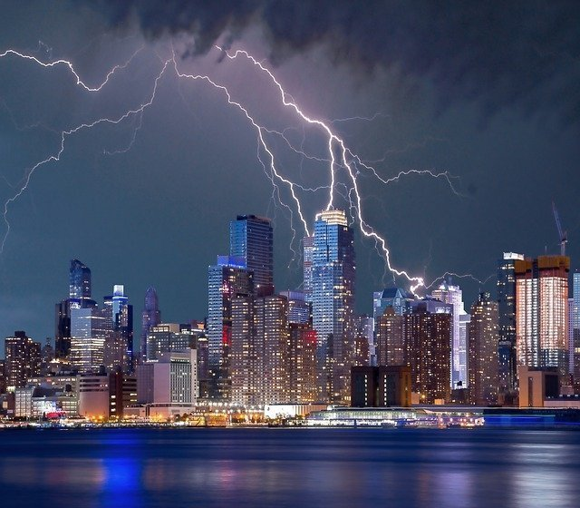 https://pixabay.com/en/new-york-lightning-storm-lightning-938212/